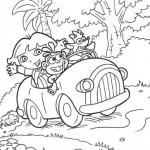 Dora paseando en su Auto